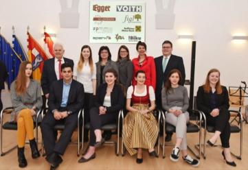 """Sechs SchülerInnen aus St. Pölten verbringen im Rahmen des Projektes """"Youth Unlimited"""" einen einmonatigen Auslandsaufenthalt."""